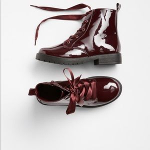 🆕Gap  Ribboned Lace Up Boots In Kids